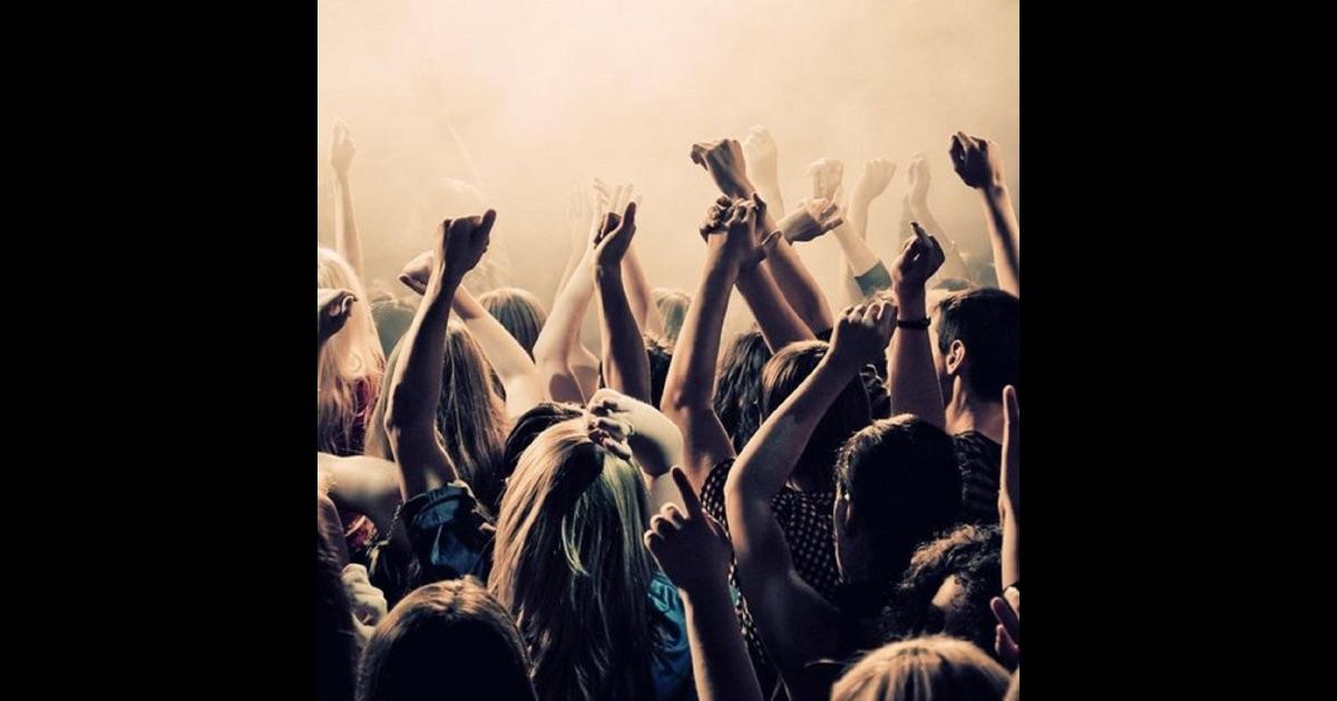 Скачать песни которые играют в клубах 2015