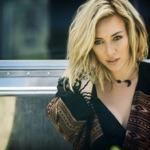 View artist Hilary Duff