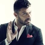 View artist Ricky Martin