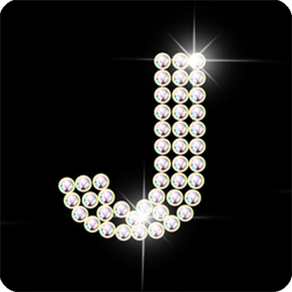 Alphabet V necklace With diamond  Canturi